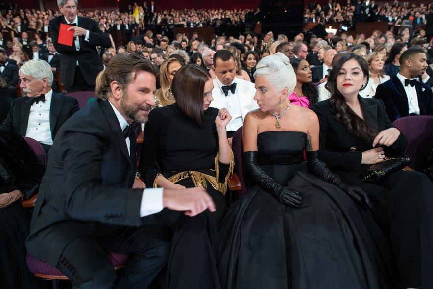 Bradley Cooper, Irina Shayk in Lady Gaga