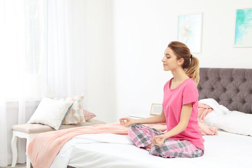 Meditacija nas lahko pred spanjem umiri in je še posebej dobrodejna, če nas mučijo skrbi.