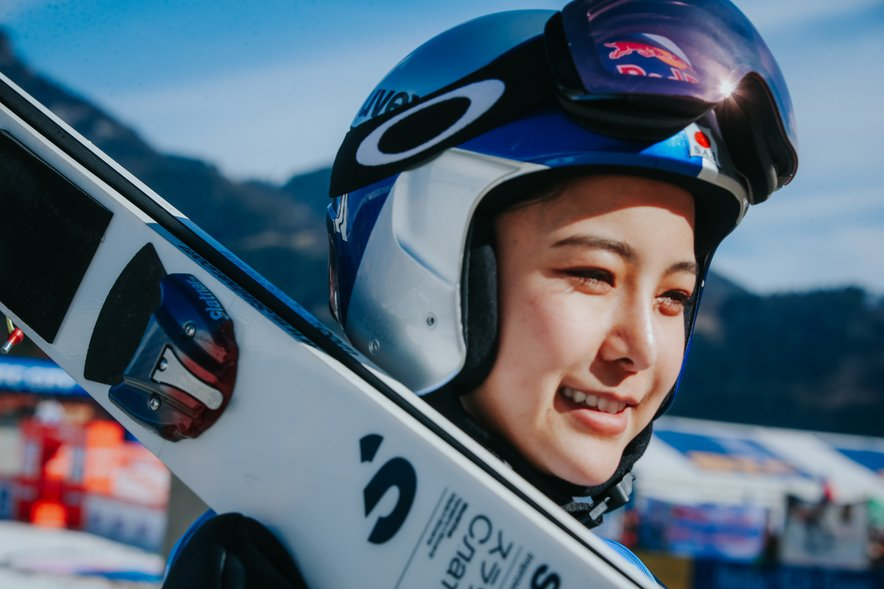 Sara Takanaši (na fotografiji) je znova oblekla majico vodilne tekmovalke.