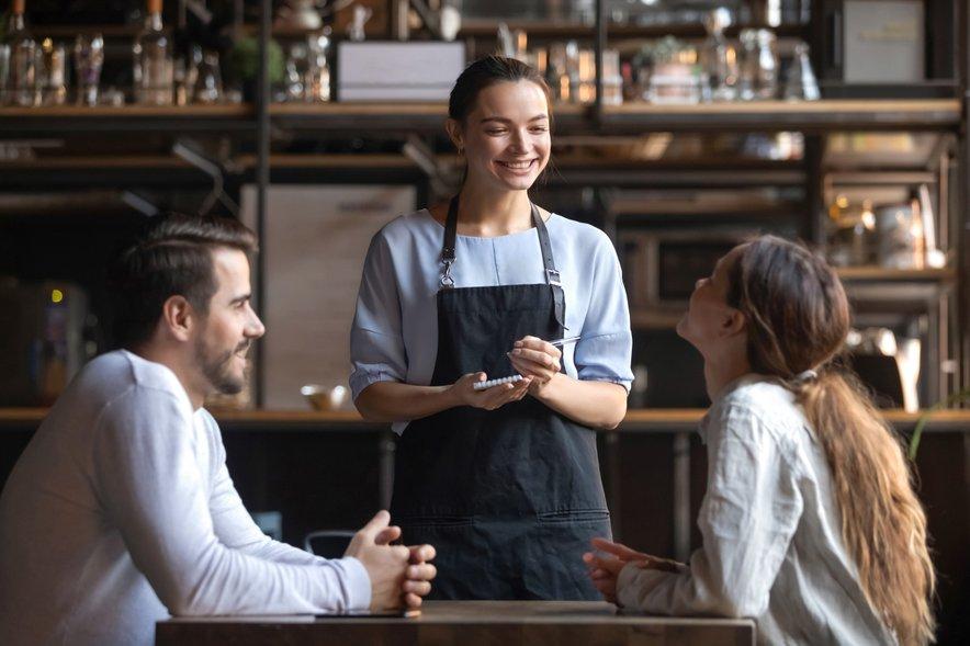 Gostinci so proti omejevanju delovnega časa gostinskih obratov.