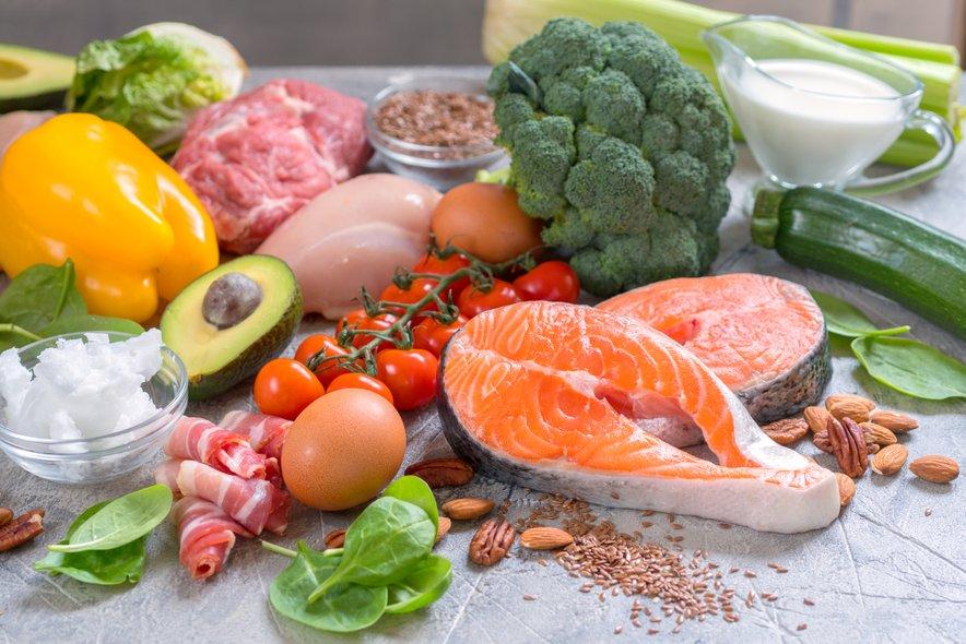 Izbira živil, dovoljenih na LCHF dieti, je zelo pestra in raznolika.