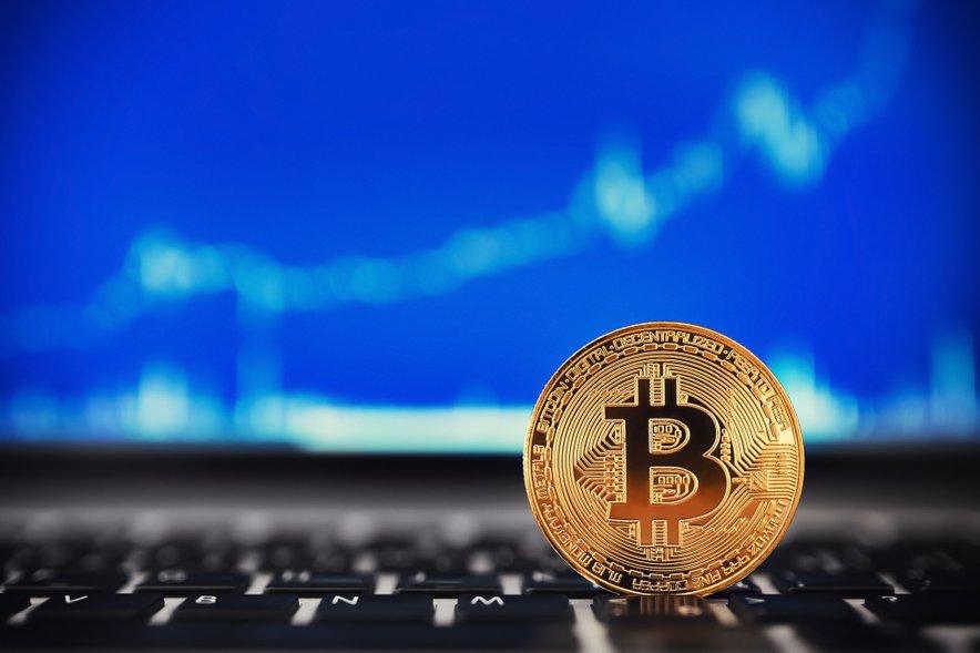 kriptovaluta virtualno trgovanje da li se trgovanje bitcoinima računa kao dan trgovanja robinhoodom