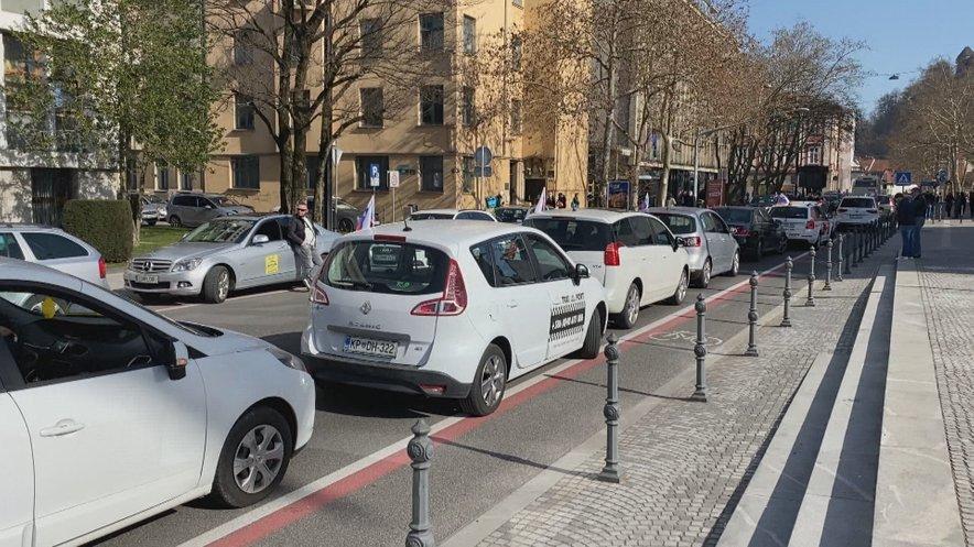 Slovenski taksisti napovedujejo kazensko ovadbo proti ministru Vrtovcu.