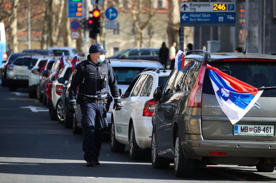 Protest taksistov pred Državnim zborom