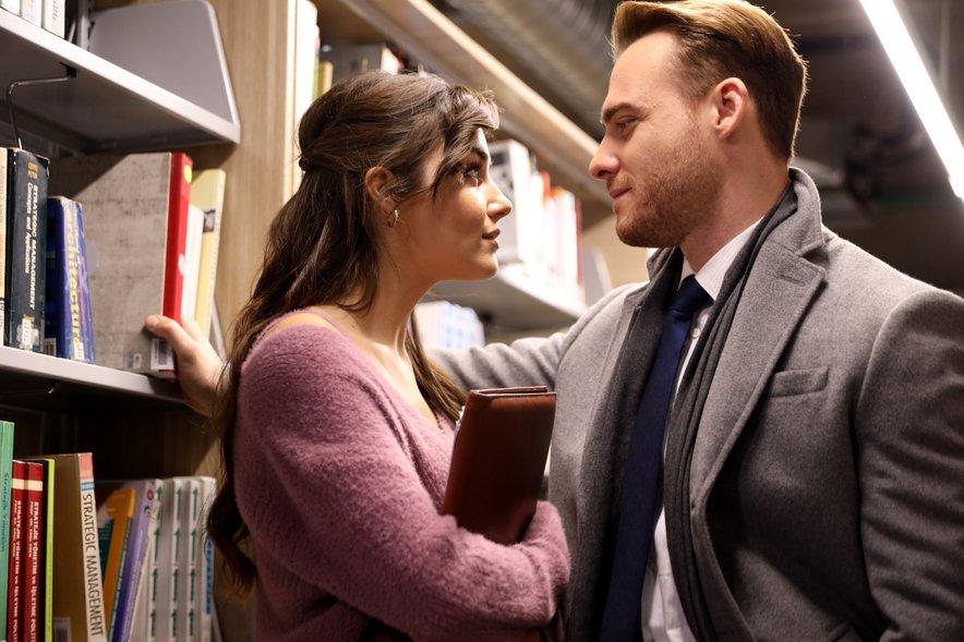Sta glavna igralca uspešnice Ko potrka ljubezen par tudi zasebno?