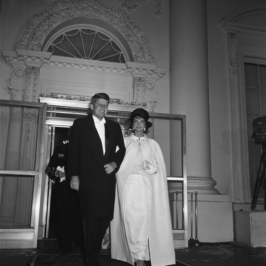 Kennedy je bil sicer kot veliki ženskar znan že veliko pred tem, ko je postal predsednik Združenih držav Amerike.