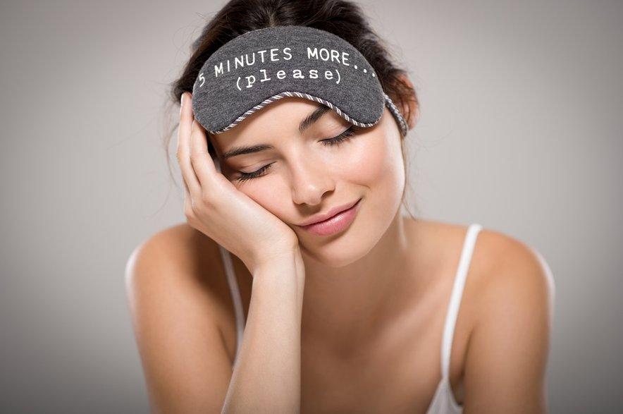 Že samo ena neprespana noč privede do temnih kolobarjev pod očmi, prav tako je pomanjkanje spanja povezano s krajšo življenjsko dobo.