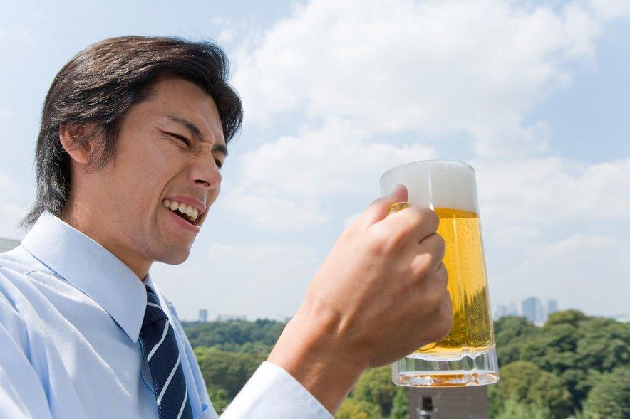 Japonci trdo delajo, zato tudi trdo žurajo. Rezultat slednjega je viden, ko se po delovnem dnevu podajo domov.