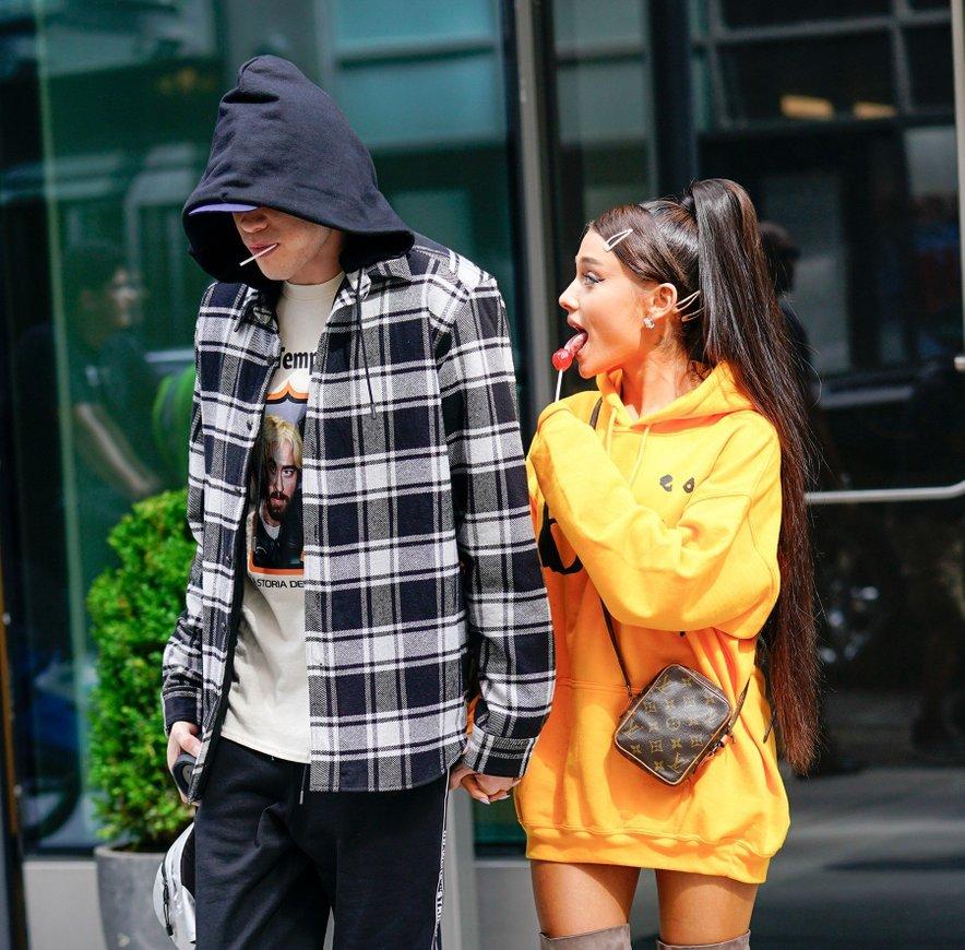 Ariana Grande in Pete Davidson sta bila skupaj pet mesecev.
