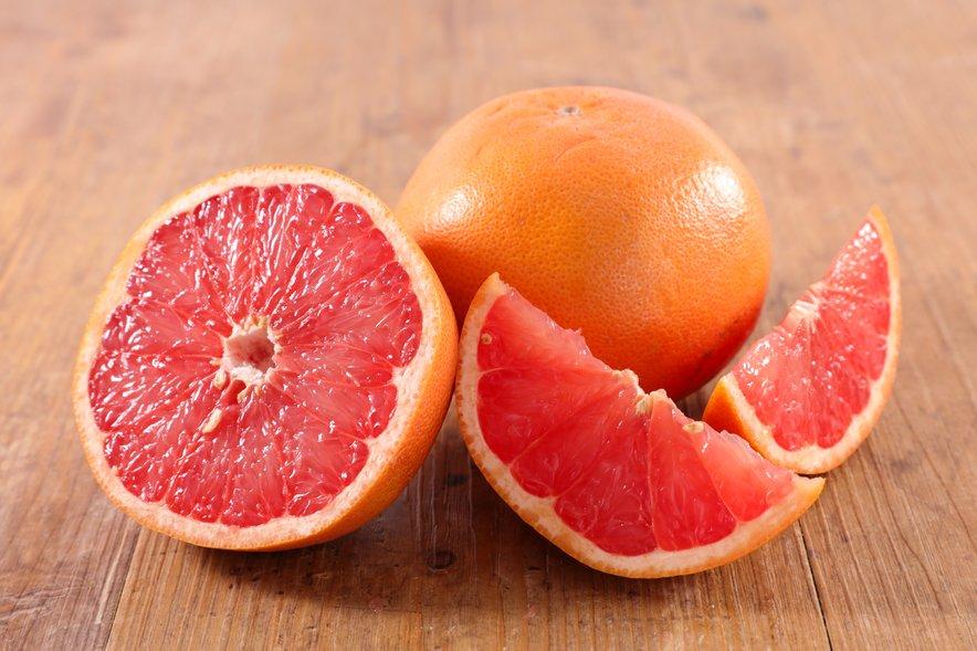 Grenivka vsebuje veliko vitamina C.