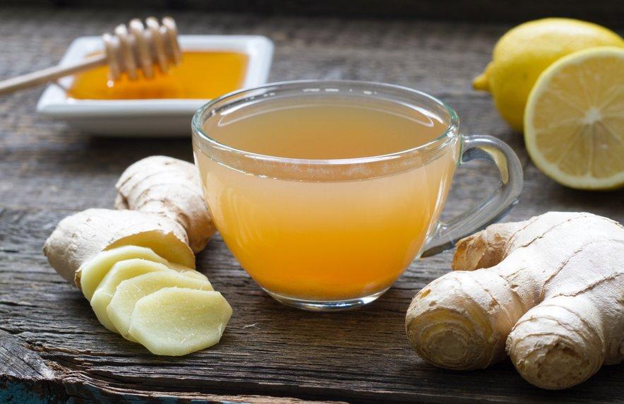 Ingverjev čaj lahko pomaga blažiti vnetje.