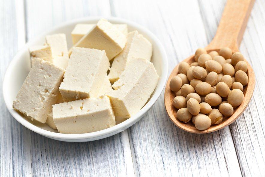 Uživamo jo lahko tako v obliki zrna kot tofuja, tempeha, mleka ...