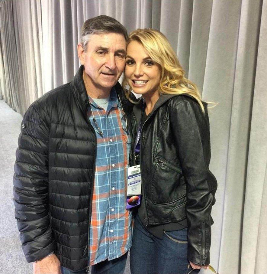 Britney je močno navezana na svojega očeta Jamieja, ki je tudi njen uradni skrbnik.