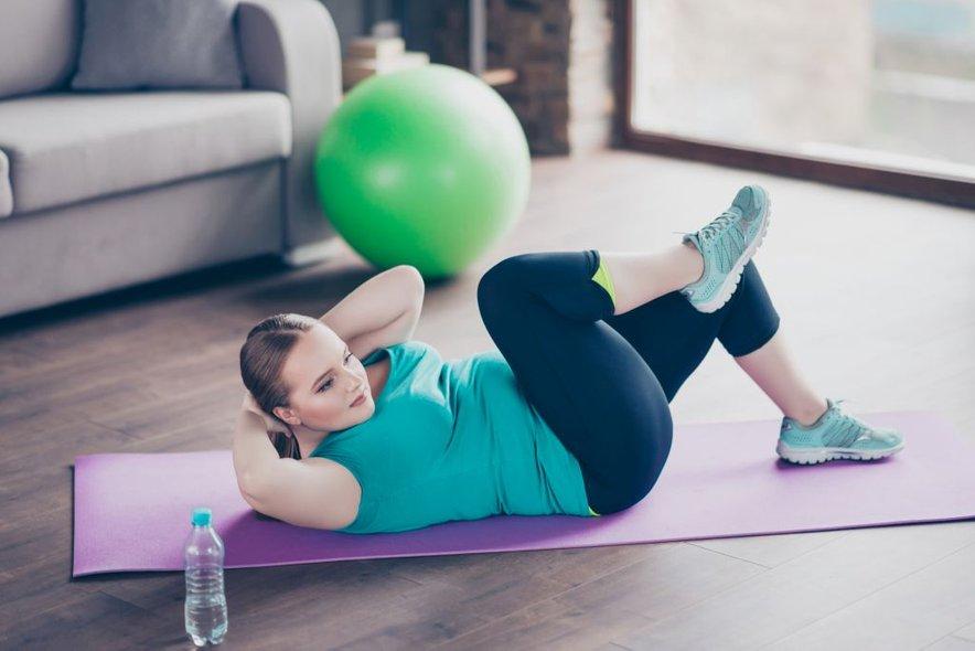Možgani posameznikov z leptinsko rezistenco ne prepoznajo leptinskih signalov, kar vodi do povišane želje po hrani, lakote po obrokih, povečanje telesne teže in inzulinske rezistence.