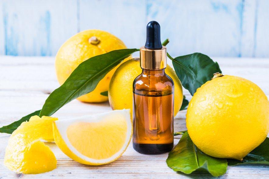 Pomagala naj bi tudi limona in jabolčni kis.