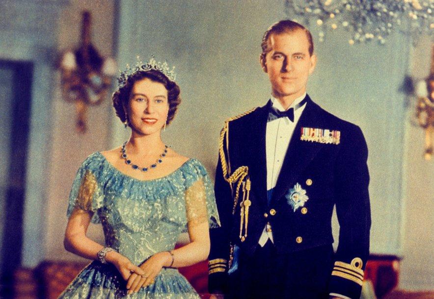 Nad idejo o poroki takrat še princese Elizabete in princa Philipa številni sprva niso bili navdušeni.