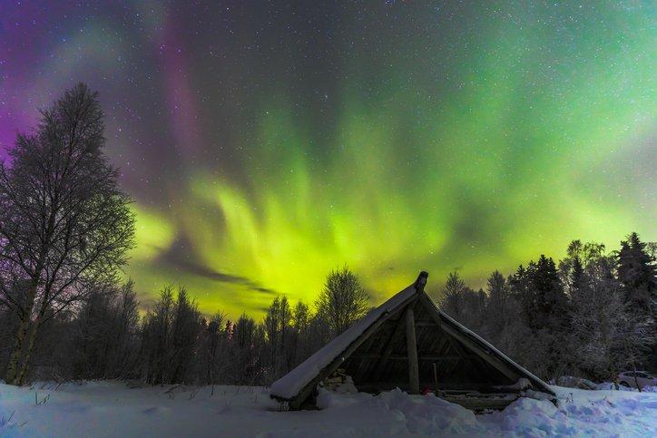 Številni turisti upajo, da se bo v času njihovega obiska pojavil tudi polarni sij.