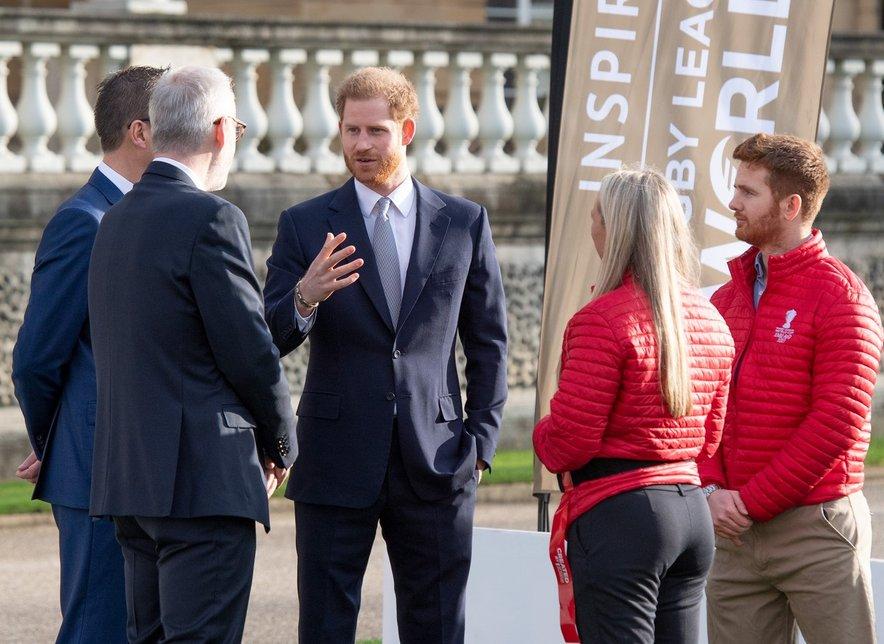 Princ Harry se je udeležil žreba skupin.