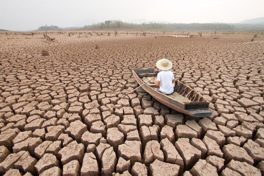 Številne že skrbi, da se bo po pandemiji gospodarstvo reševalo na račun okolja in zdravja.