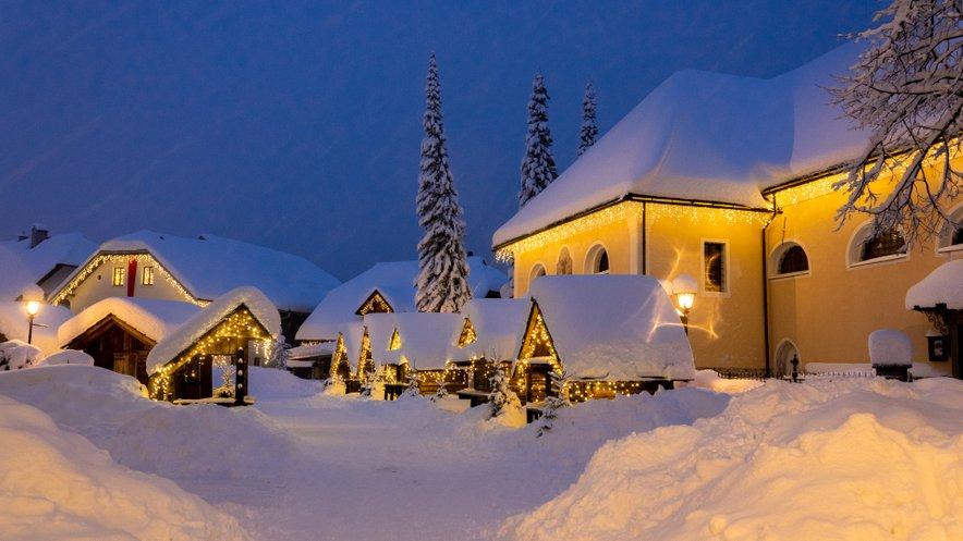 Debela snežna odeja v Kranjski Gori