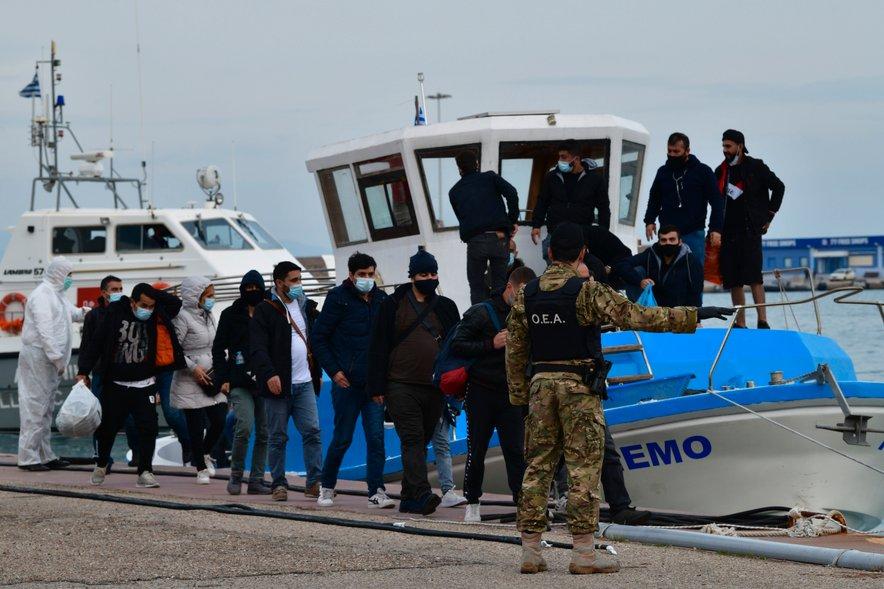 Migranti v Grčiji