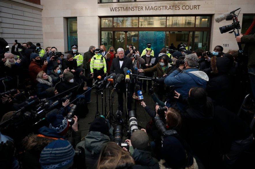 Odgovorni urednik Wikileaksa Kristinn Hrafnsson, ki je nad odločitvijo ogorčen, je že napovedal, da se bodo Assangeovi odvetniki verjetno pritožili.