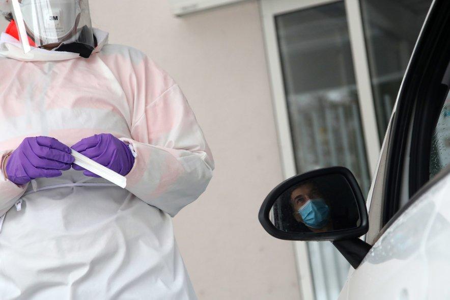 V soboto smo v Sloveniji potrdili 537 okužb z novim koronavirusom, umrlo je 31 covidnih bolnikov.