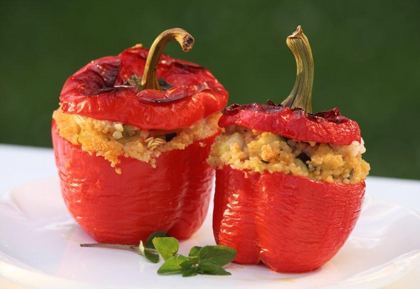 Polnjene paprike s kuskusom