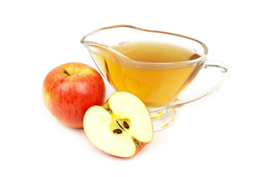 Zanj potrebujete le dve sestavini – med in jabolčni kis, ki ju nato zmešate z vročo vodo in popijete.