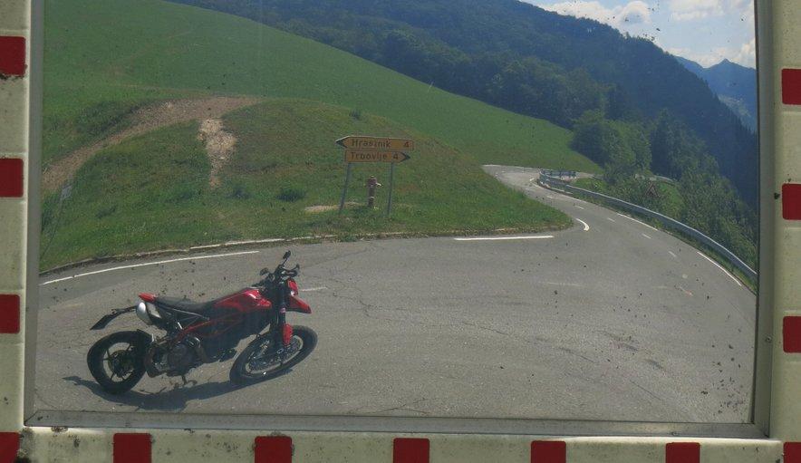 Ducati Hypermotard 950 je slečen streetfighter s terenskim DNK-jem na steroidih.