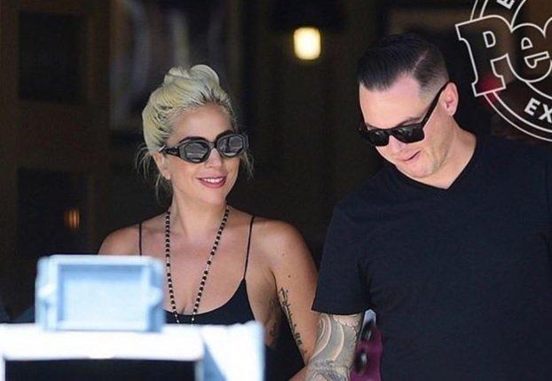 V zadnjih tednih je postalo jasno, da Lady Gaga srca ni ukradel Bradley Cooper, temveč Dan Horton.