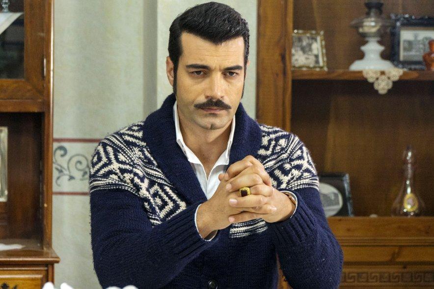 Murat Ünalmış v vlogi Demirja v seriji Vedno tvoja.