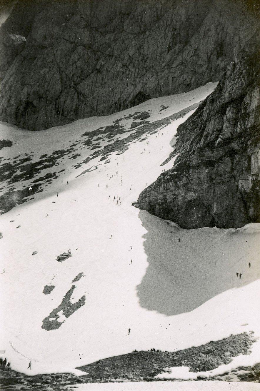 Mangartska tekma je hkrati pomenila trening za naslednjo zavezniško tekmo v alpski kombinaciji pod Velikim Klekom v Avstriji, konec junija 1945, kjer je bil prav tako skupni zmagovalec Walter Prager.FOTO: Denverska javna knjižnica