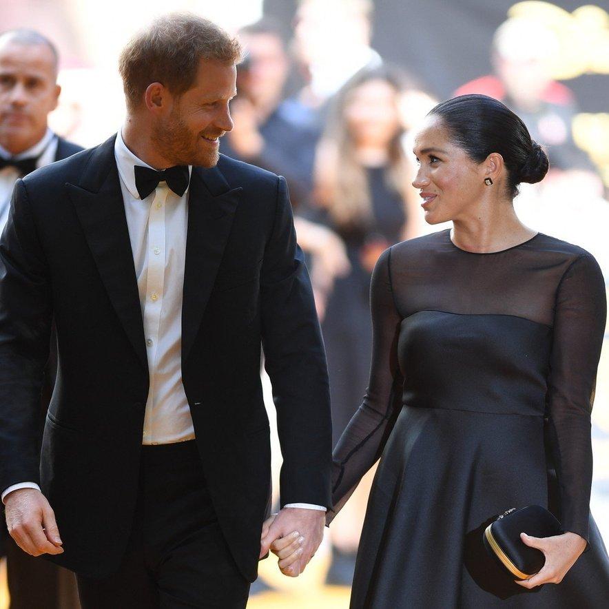 Meghan Markle in princ Harry na premieri Levjega kralja