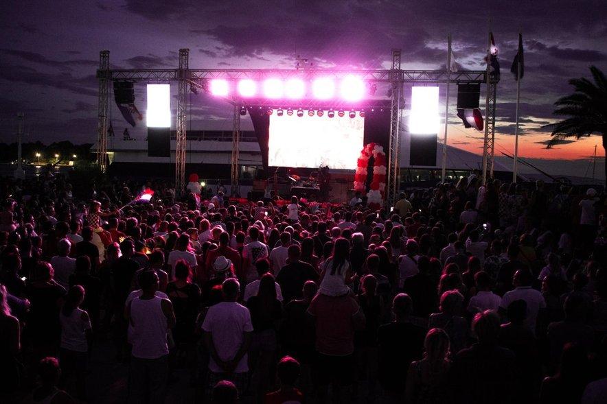 Organizatorji želijo zaostriti pogoje za vstop na zabave.