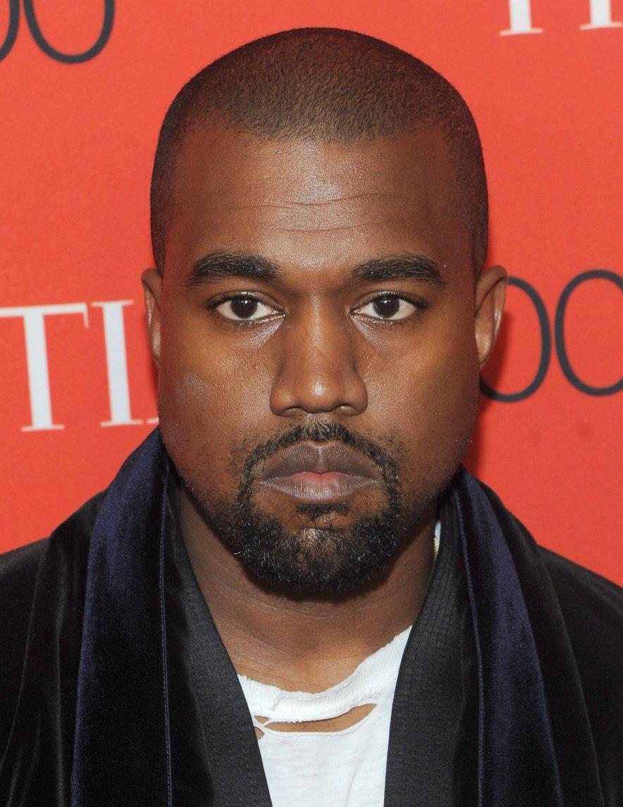 Kanye West se v Franciji zabava z manekenko ruskih korenin.