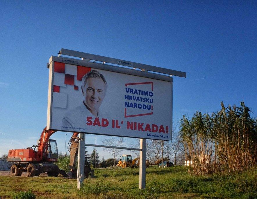 Miroslav Škoro se je nekaj časa trudil postati pomemben igralec na hrvaškem političnem parketu.