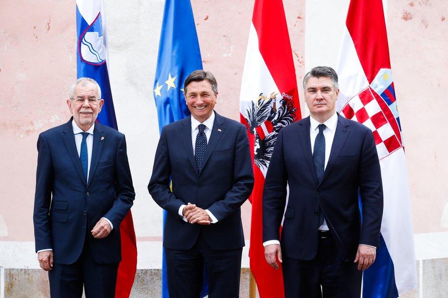 Ob boku Borutu Pahorju bi lahko stal tudi Škoro, vendar mu hrvaški volivci niso namenili dovolj glasov za predsedniški položaj.