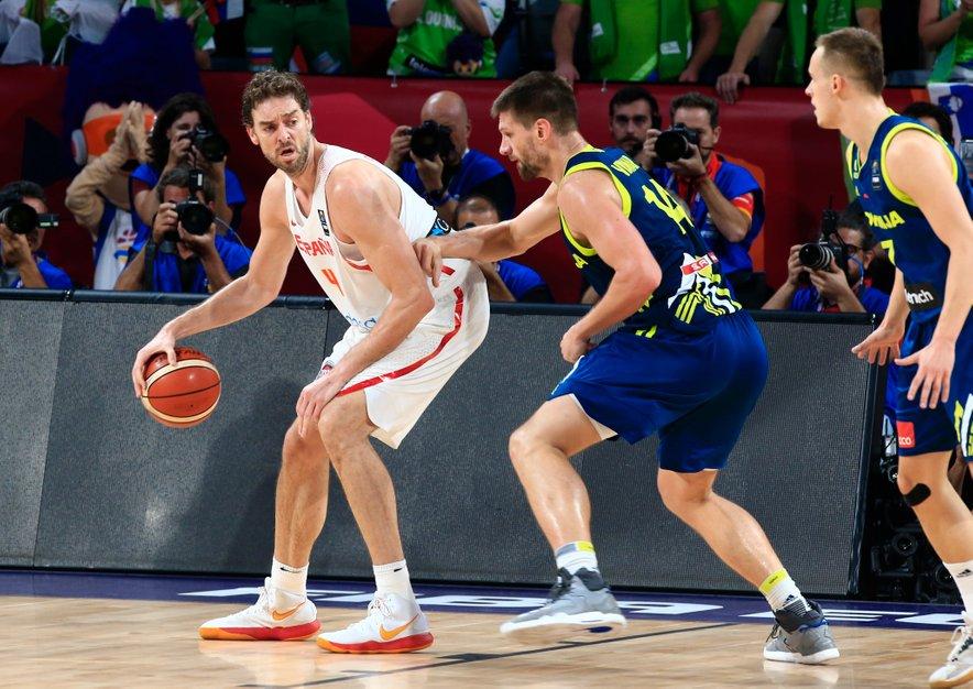 Pau Gasol je moral na zadnjem Eurobasketu priznati premoč slovenski reprezentanci, in sicer v polfinalu. To je bila tudi zadnja uradna Gasolova tekma za špansko reprezentanco.