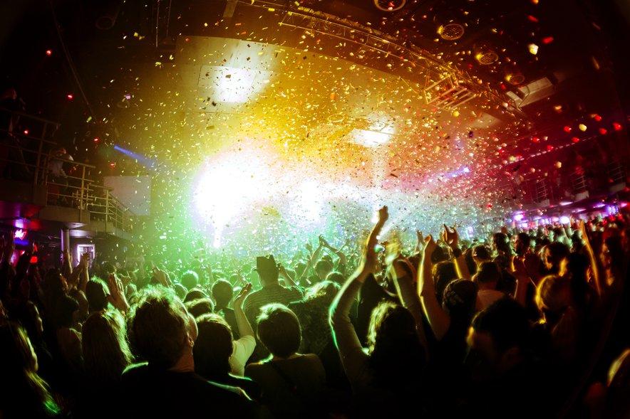 Na Otoku napovedujejo, da bo vstop v nočne klube septembra dovoljen le polno cepljenim obiskovalcem.