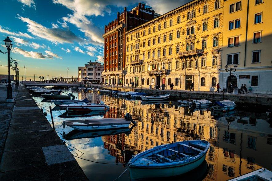 Po dnevu nakupovanja in sprehajanja po mestnih ulicah priljubljenega italijanskega mesta, lahko pot nadaljujete s hitrimi vlaki Le Frecce.
