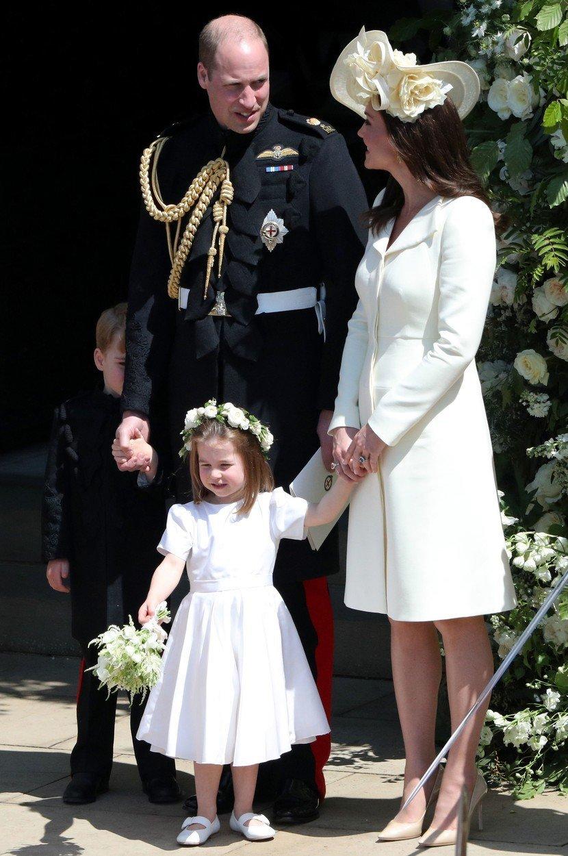 Razhod naj bi bil za Kate celo tako boleč, da je spakirala kovčke in za kratek čas zapustila Veliko Britanijo.