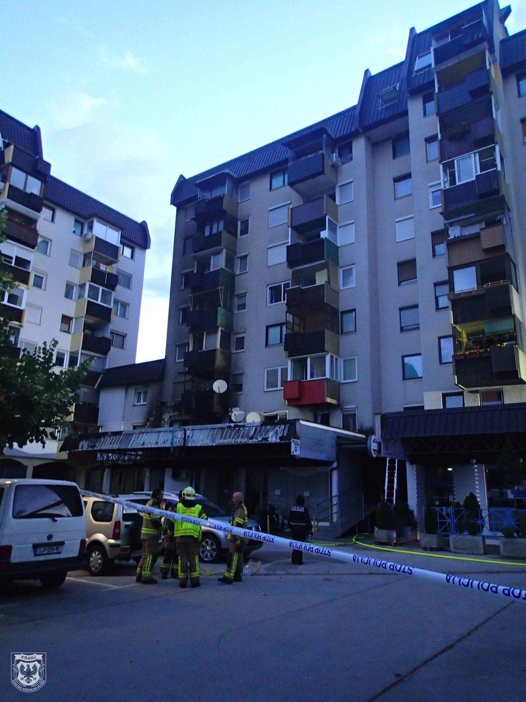 Zagorelo je v pritličju stanovanjskega bloka na Trgu Prešernove brigade v Kranju.