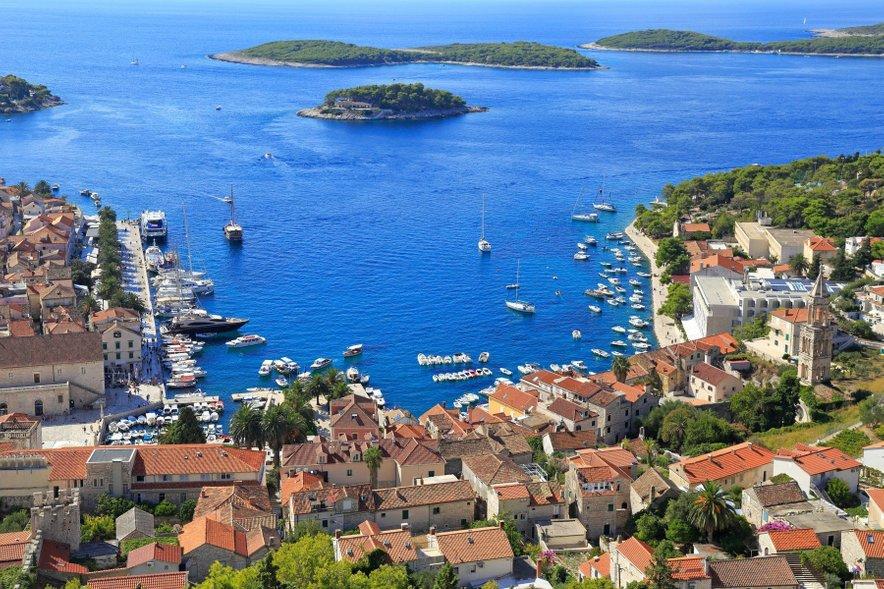 Še eno zanimivo dejstvo o Hrvaški, ki ga marsikdo ne pozna je podatek, da ima naša sosednja država kar 6278 kilometrov obale.