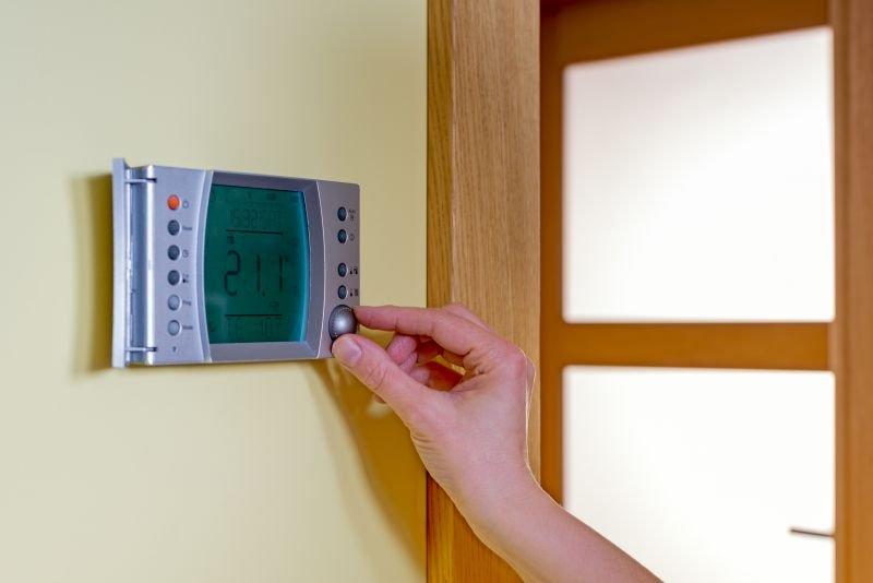 Ogrevalne toplotne črpalke omogočajo, da svoj dom ogrevamo z obnovljivimi viri energije.