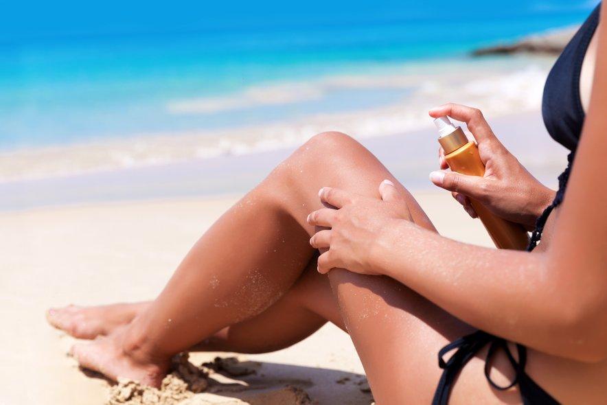 Brez sončne kreme nikar na plažo.