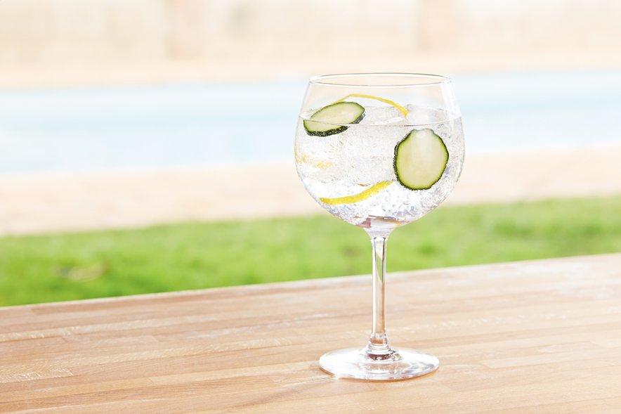 Gin tonik s kumaro
