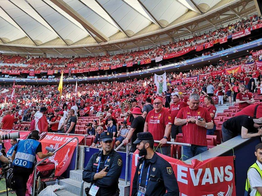 Liverpoolovi navijači na lanskem finalu v Madridu.