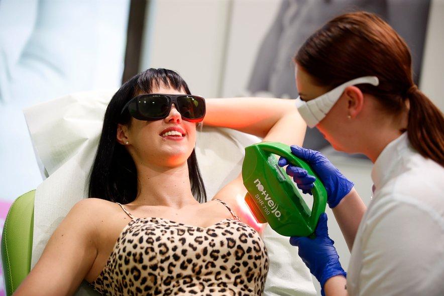 Patricia se je najprej odločila za fotoepilacijo na predelu pazduh in bikini predelu.