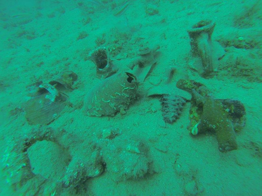 Nedaleč od hrvaškega Krka so našli razbitine ladje z amforami iz rimskih časov.